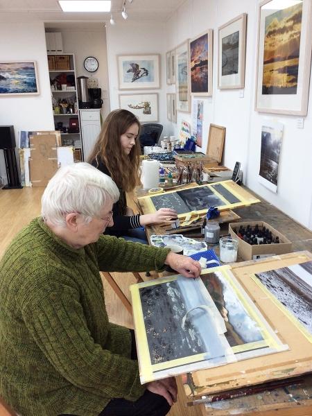 Julia Christie painting on Skye students 04